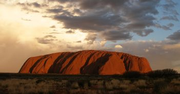 ayers-rock-1091748_960_720