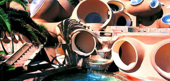 palais-bulles-palace-of-bubbles-pierre-cardin-house-antti-lovag-cannes-1