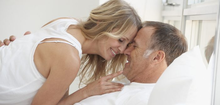 MATURE-COUPLE-IN-BED
